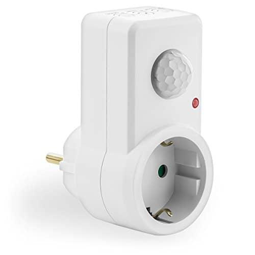 deleyCON Infrarot Steckdosen-Bewegungsmelder - für Innenbereich - 120° Arbeitsfeld - Reichweite bis 9m - einstellbarer Umgebungshelligkeit und Sensibilität - IP20 Schutzklasse - Steckdosen-Adapter - Weiß