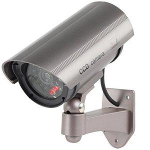 Profi Kamera Dummy mit blinkender LED blinkende LED - Tolle Überwachungskamera Attrappe CCTV IP44 Aussenbereich Kameraatrappe Innen Außen Fake Überwachung Haus Sicherheit Security